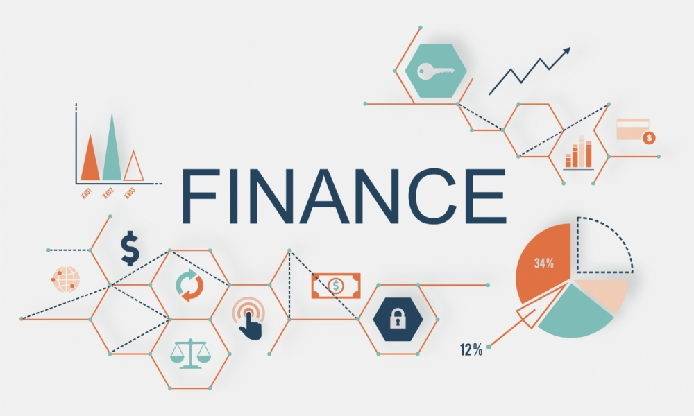 «Современный финансовый мир для обычного человека» — интервью с Романом Савченко